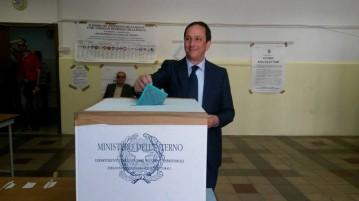 foto sindaco Ancona al voto